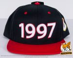 schwarz, rote Flexfit Classic Snapback 2-Tone Caps besicken mit normaler und 3D Stickerei mit Kontur