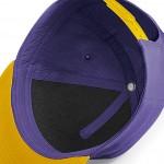 Innenansicht; purple/gold